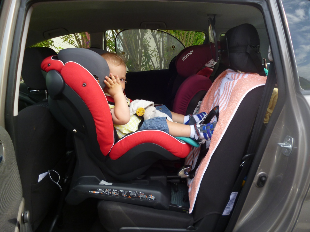 les si ges rf rear facing dos la route besafe izi kid x3 isofix. Black Bedroom Furniture Sets. Home Design Ideas